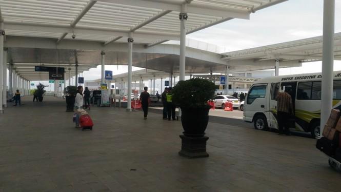 Kondisi Bandara Ahmad Yani, Semarang, Jawa Tengah, setelah maskapai bertarif rendah menghapus layanan bagasi cuma-cuma (free baggage allowance). Foto: Mustholih