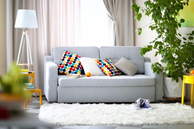 Perpaduan warna cerah menjadi pilihan tepat untuk menyesuaikan dengan musim kemarau. (Foto: Shutterstock)