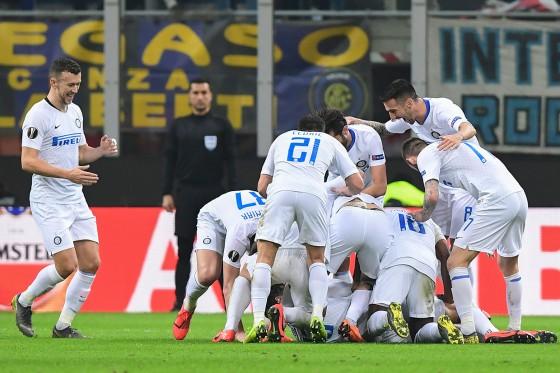 Bungkam Rapid Wina 4-0, Inter Milan Lolos ke 16 Besar