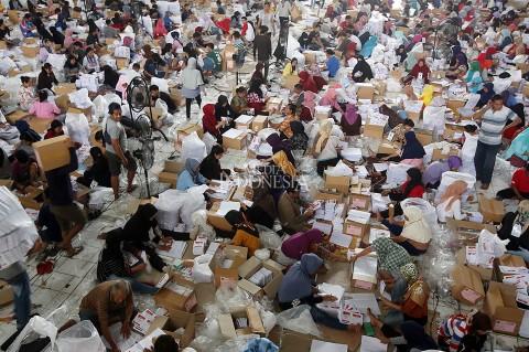 650 Orang Dikerahkan untuk Pelipatan Surat Suara Pemilu di Bogor