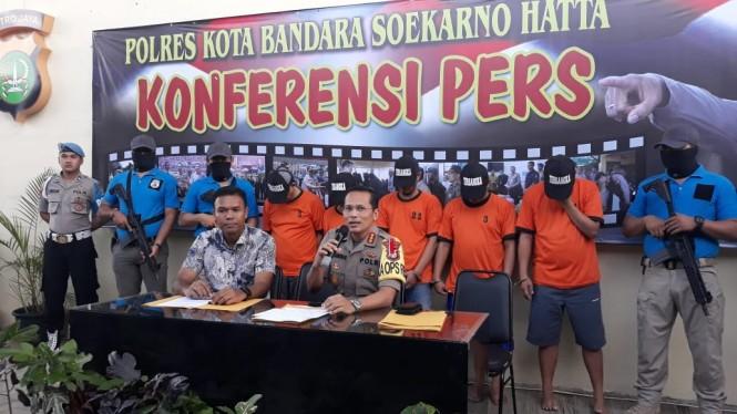 Polres Bandara Soekarno-Hatta mengungkap tindak pidana pencurian garmen senilai Rp500 juta, Jumat, 22 Februari 2019.