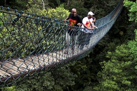 Siasat Pemerintah Perbaiki Jembatan Tua