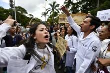 Rusia Tuding AS Berencana Persenjatai Oposisi Venezuela