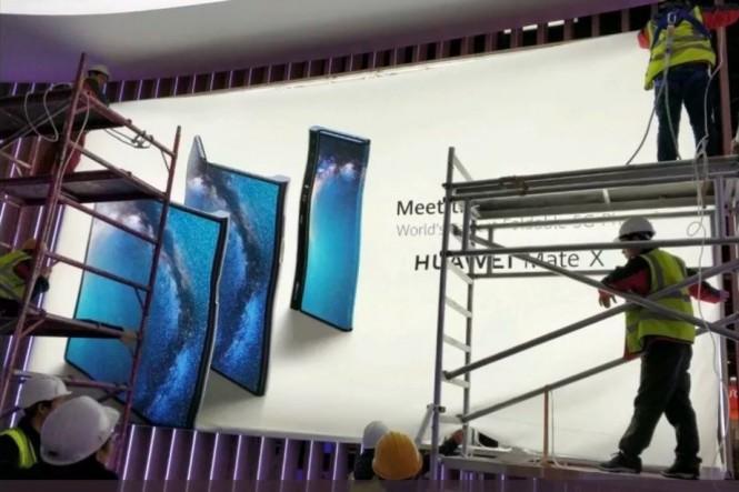 Gambar bocoran banner dari Huawei Mate X. (Twitter / gimme2pm)