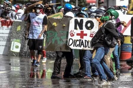 Bentrokan Meletus di Perbatasan Venezuela, Dua Orang Tewas