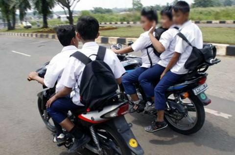 Anak Belum 17 Tahun? Dilarang Keras Bawa Motor