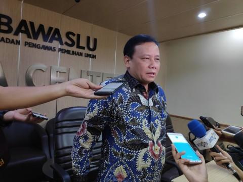 Jaring Kampanye Hitam Tiga Mak-mak di Karawang Diselidiki