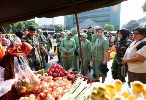 Bazar Murah Ramaikan HUT ke-58 Kostrad