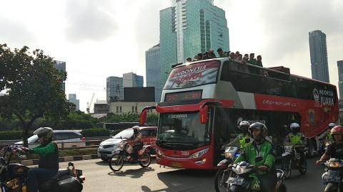 Arak-arakan Timnas U-22 Menghiasi Pagi Ibu Kota