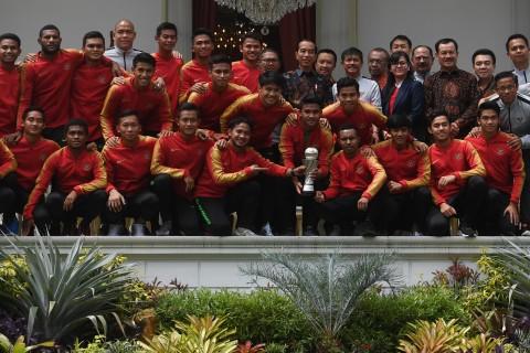 Jokowi Beri Bonus Pemain Timnas U-22 Rp200 Juta