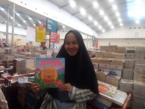 Bazar Buku BBW Jadi Sumber Bisnis Jastip