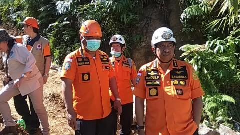 Petugas Gabungan Masih Evakuasi Korban Tambang Longsor