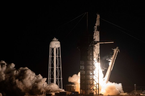 Kapsul SpaceX Meluncur ke ISS