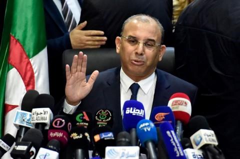 Presiden Aljazair Berjanji Segera Mundur Jika Terpilih Kembali