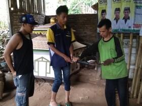 Misi Sederhana Caleg Tukang Las asal Gunungkidul