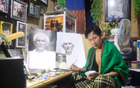 Pelukis Sumenep yang Mampu Mendunia