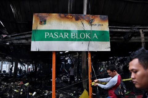 Ratusan Kios Pasar Blok A Hangus Terbakar