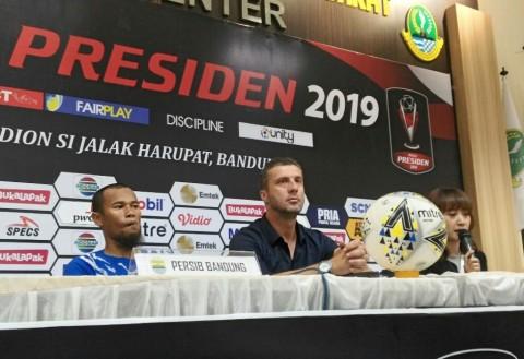 Respons Pelatih Persib atas Kegagalan di Piala Presiden