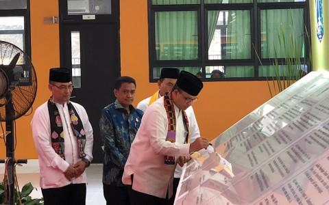 Anies Resmikan 94 Sekolah di Jakarta