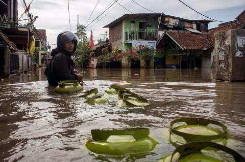 Puluhan Ribu Warga Bojong Asih Terdampak Banjir