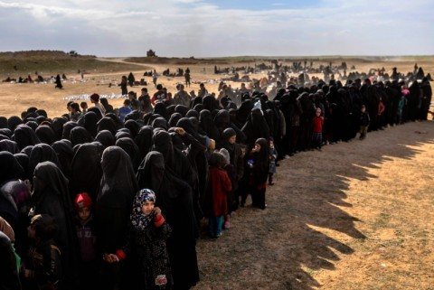 Benteng Terakhir ISIS akan Diserang, Warga Terus Mengungsi