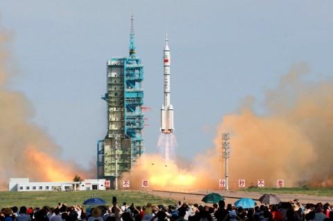 Tiongkok Bersiap Luncurkan Stasiun Luar Angkasa Tahun 2022