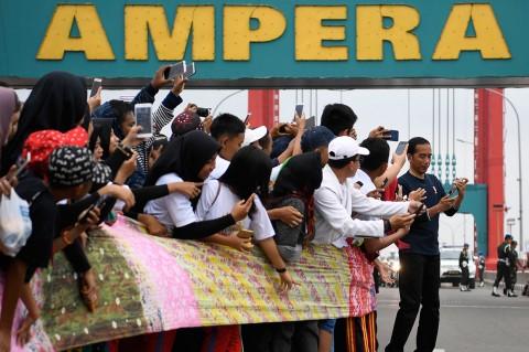 Jokowi Hadiri Pemecahan Rekor Muri Kain Jumputan Terpanjang Dunia