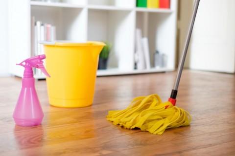 Cara Merawat Lantai Kayu di Rumah