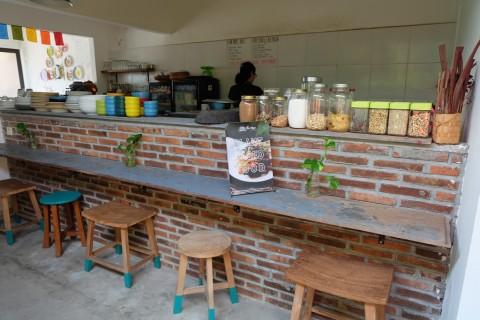Menyantap Kuliner Sehat yang Menggugah Selera di Little Garden