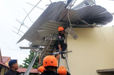 Belasan Rumah di Kupang Rusak Diterjang Puting Beliung