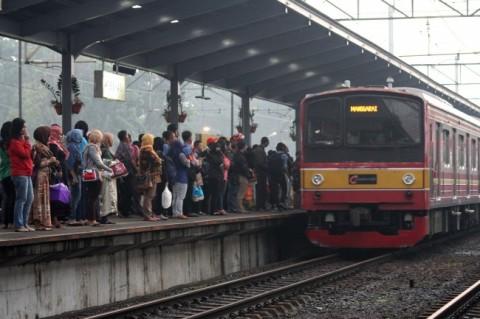 KRL Jakarta-Bogor Kembali Beroperasi