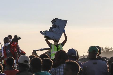 Pesawat Ethiopian Airlines Terbakar Sesaat Sebelum Jatuh