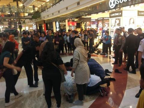 Seorang Pria Melompat dari Lantai 3 Mall Pondok Indah