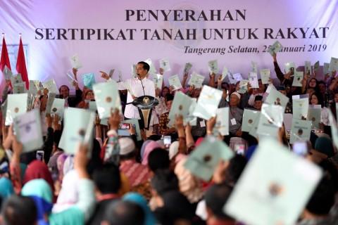 Birokrat Daerah Diminta Tak Mempersulit Pembuatan Sertifikat