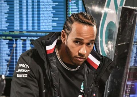 Lewis Hamilton Kepikiran Pindah ke MotoGP