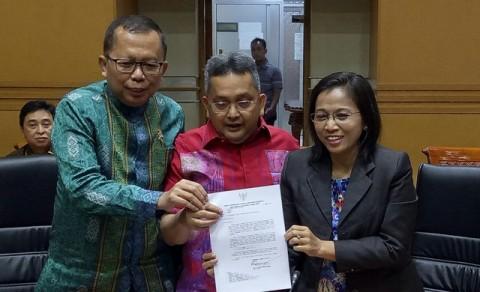 Aswanto dan Wahiduddin Jadi Hakim MK Lagi