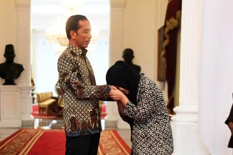 Momen Siti Aisyah Bertemu Jokowi di Istana