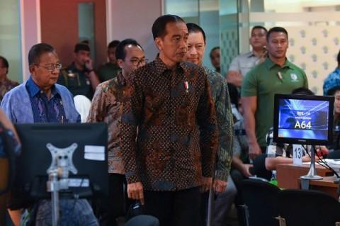Jokowi Tegur Pemda yang Persulit Perizinan Investasi