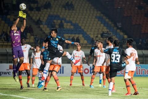 Suasana tak Lazim di Stadion Si Jalak Harupat