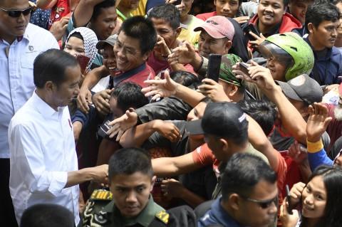 Jokowi Blusukan ke Pasar Pagi Pangkalpinang