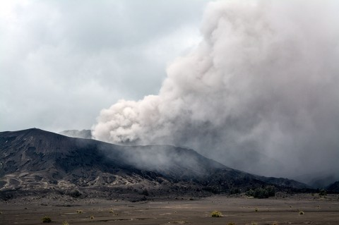 Gunung Bromo Erupsi