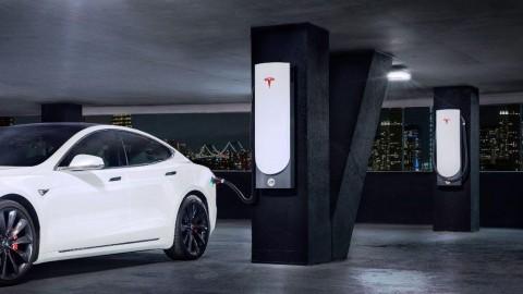 Tesla V3 Supercharging, Isi Baterai Mobil Cukup Lima Menit