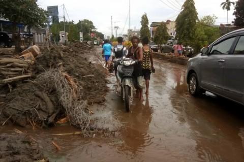 Korban Jiwa Banjir Bandang Jayapura 61 Orang