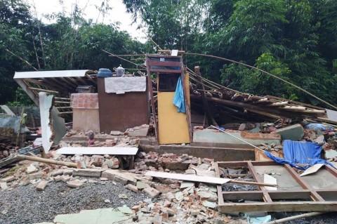 Gempa 5,8 SR Guncang Lombok Timur