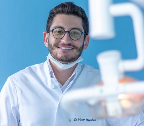Mengenal Agenesis Gigi yang Bikin Ompong