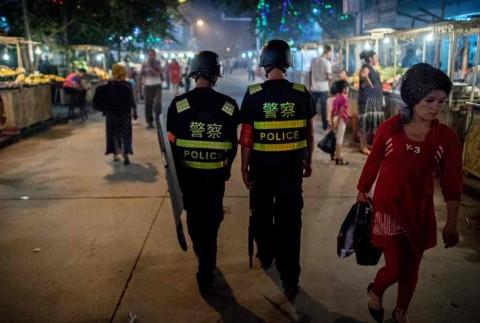 Tiongkok Klaim Tangkap 13 Ribu Teroris di Xinjiang