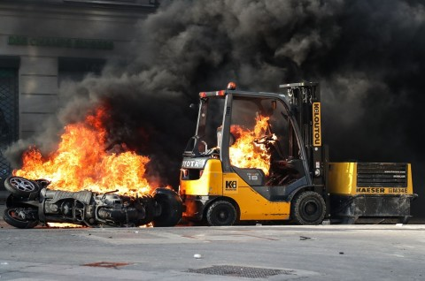 Demo Rompi Kuning Rusuh, Prancis Copot Kepala Polisi Paris