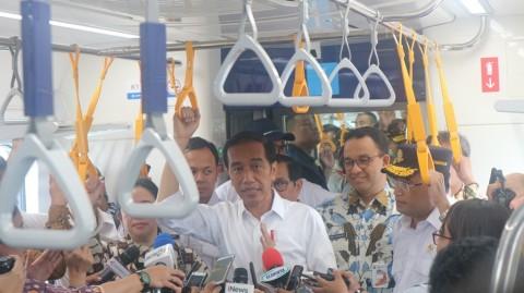 Jokowi Participates in Jakarta MRT's Trial Run