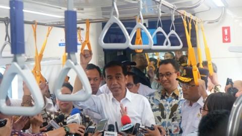Presiden Senang Warga Antusias Sambut MRT