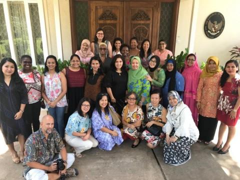 Dharma Wanita Perkenalkan Gado-gado ke Tanzania